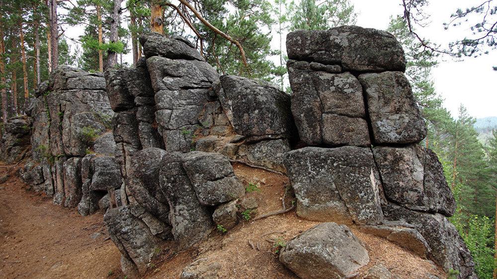 Karavīra klints virsotnē