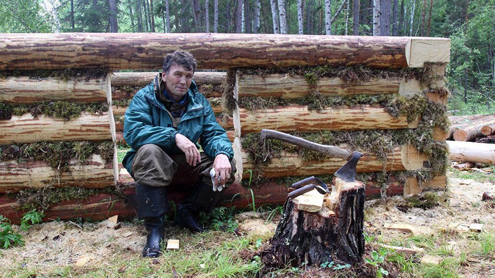 Aleksejs Molčanovs gatavojas ziemai taigā