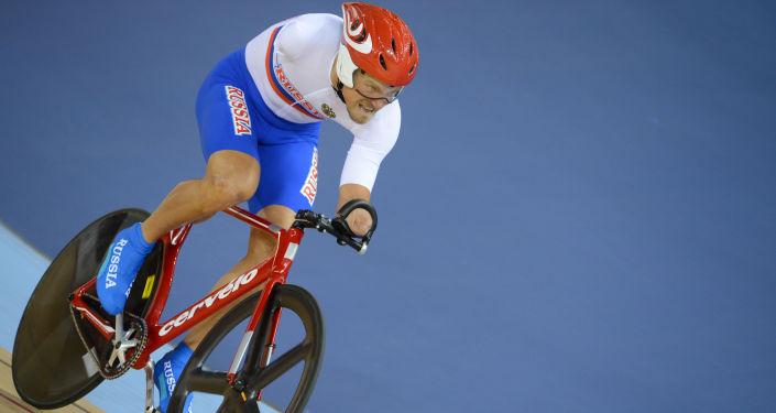 Krievijas velosipēdists Aleksejs Obidennovs individuālajās sacensībās 1 km distancē XIV vasaras Paralimpiskajās spēlēs Londonā. Foto no arhīva
