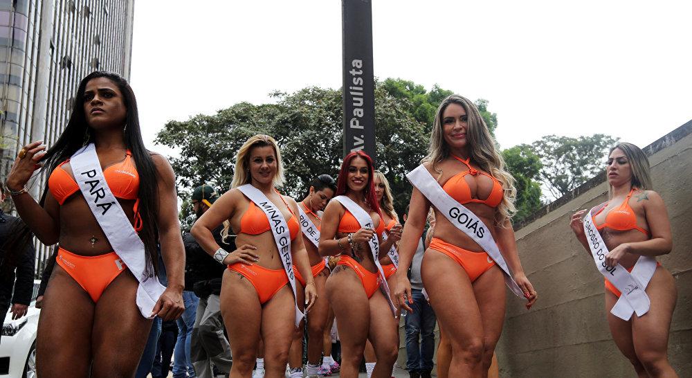 Участницы конкурса Miss BumBum 2016.