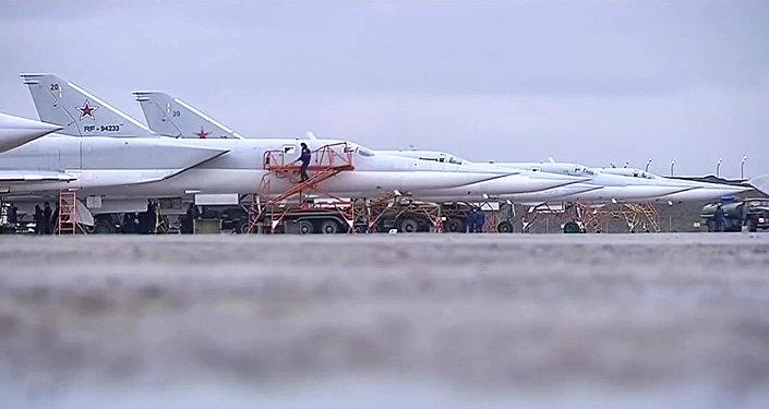 Бомбардировщики-ракетоносцы Ту-22 М3 Военно-космических сил России. Архивное фото