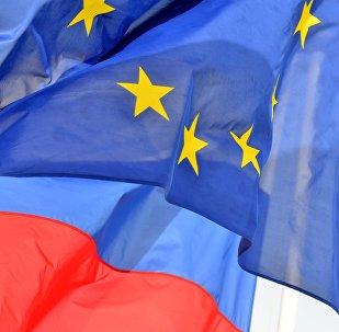 Krievijas un ES karogi. Foto no arhīva