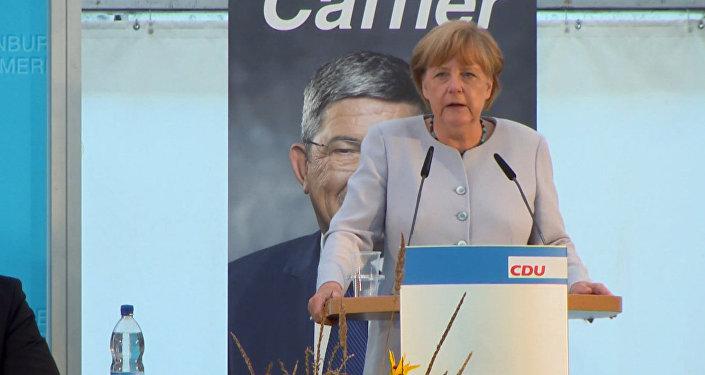 Merkele vēlas atgriezties pie pirmsankciju attiecībām ar Maskavu