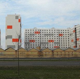 Плявниеки — один из крупнейших микрорайонов Риги. Жилой комплекс на Улброкас 13. Архивное фото