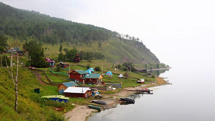 Поселок Старая Ангасолка: тут теперь живут только дарами Байкала и благодаря туристам с поездов
