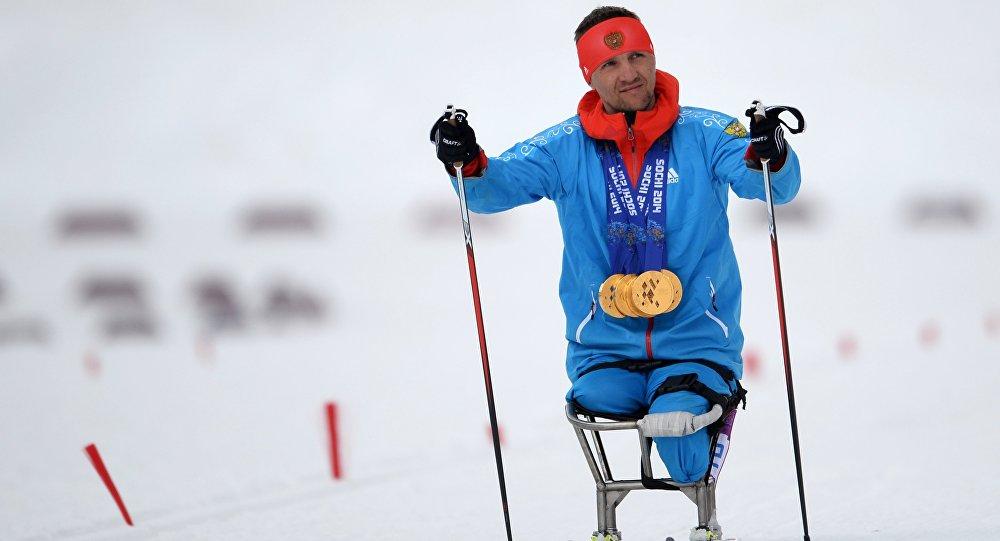 Seškārtējais paraolimpiskais čempions, slēpotājs Romāns Petuškovs. Foto no arhīva.