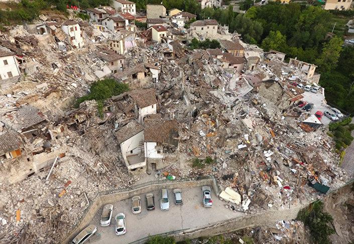 Разрушения после землетрясения в Пескара-дель-Тронто, Италия