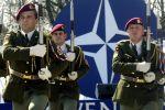 Cолдаты cловацкой армии во время парада в Братиславе в честь вступления страны в НАТО, архивное фото