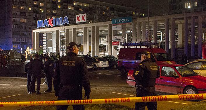 Lielveikala Maxima sagrūšana Rīgā. Foto no arhīva