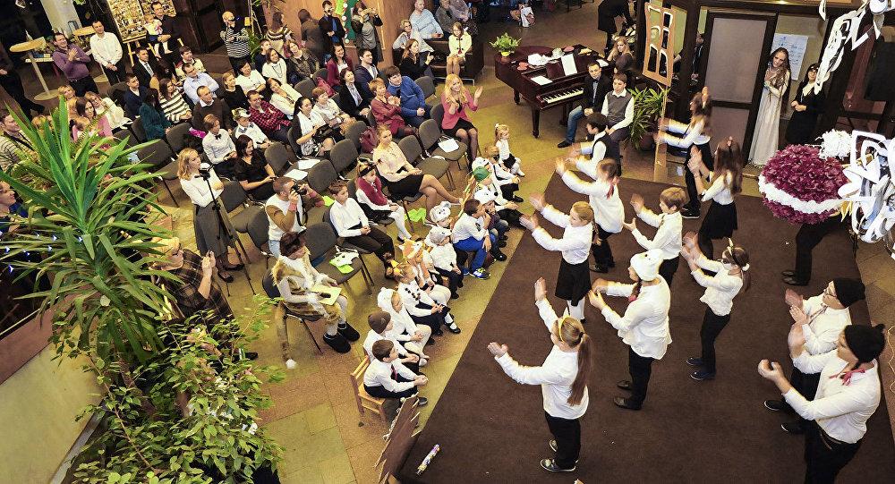 Jaungada svētki Latvijas vēstniecībā Maskavā.  Foto no arhīva
