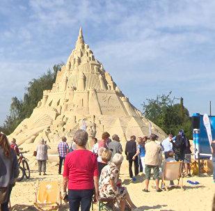В Германии построили замок из песка высотой с пятиэтажку