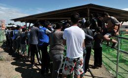 Bēgļi pie Grieķijas un Maķedonijas robežas