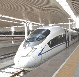 Tagad divreiz ātrāk: Ķīnā ir laiduši pasaulē ātrāko vilcienu