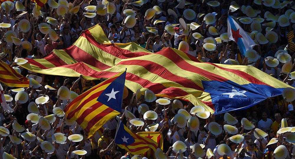 Katalonijas neatkarības piekritēji demonstrācijā