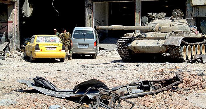 Sīrijas armijas karavīri atbrīvotā Alepo rajona teritorijā. Foto no arhīva