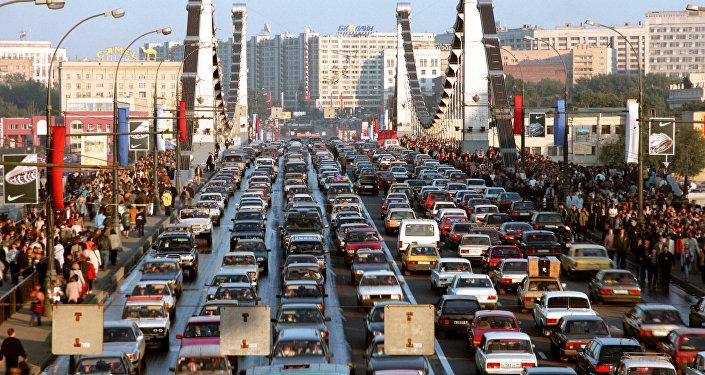 Автомобильный затор на Крымском мосту