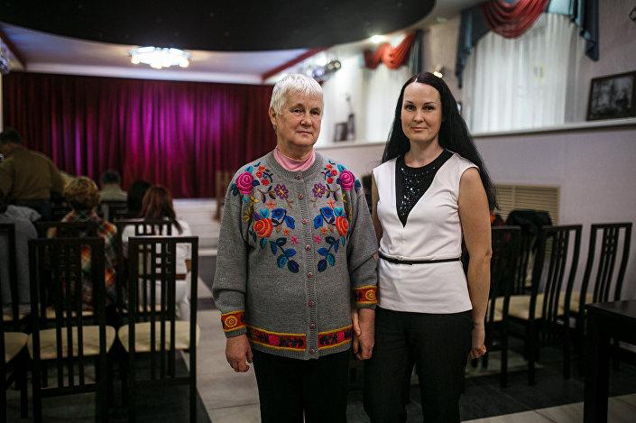 Преподавательница латышского языка Анна Лаура Каткова (слева) с дочкой Илоной Кубышкиной