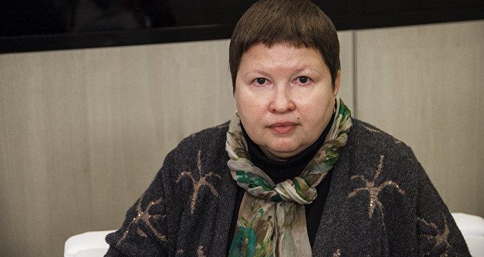 Krievijas Sabiedriskās palātas Ārvalstīs dzīvojošo tautiešu atbalsta komisijas priekšsēdētāja Jeļena Sutormina