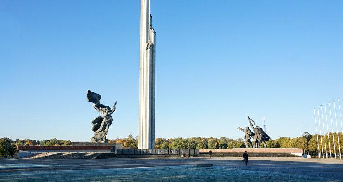 Памятник Воинам-освободителям Риги