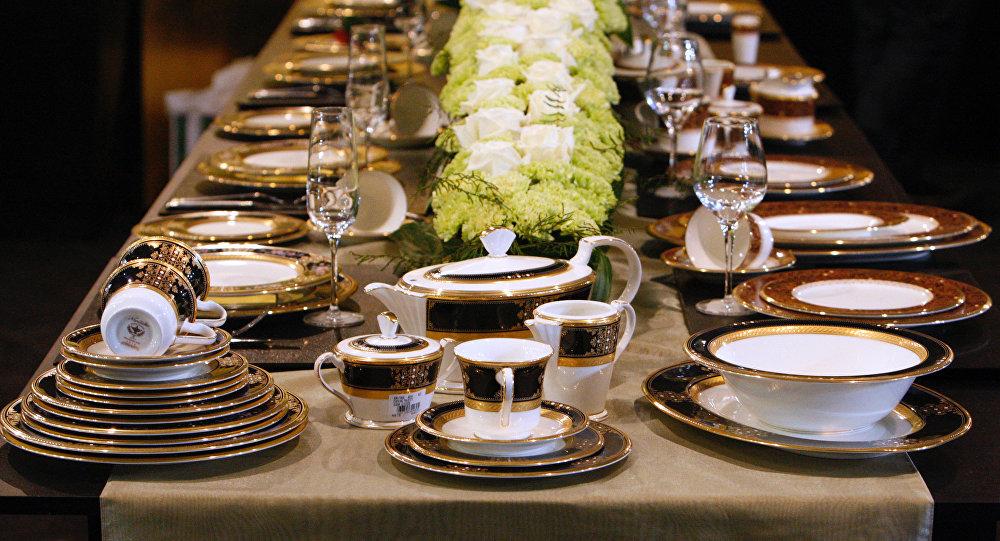 Праздничное чаепитие. Архивное фото