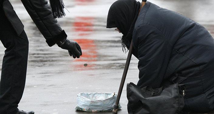 Больше граждан России стали жертвовать наблаготворительность