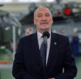 Polijas aizsardzības ministrs Antonijs Mačerēvičs