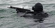 Тренировка пловцов-подводников Балтийской военно-морской базы, архивное фото