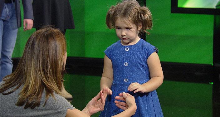 Девочка-полиглот, или Как четырехлетний ребенок говорит на семи языках