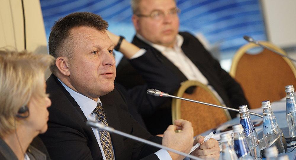 Айнарс Шлесерс выступает на Балтийском форуме