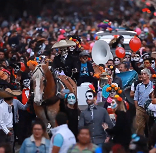 Mirušo atceres dienas parāde Meksikā – jautrie svētki