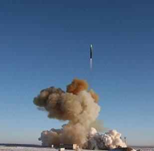 Modificētās raķetes UR-100N UTTH starts