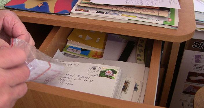 Письма в офисе Многонациональной службы поиска родных и близких в Латвии
