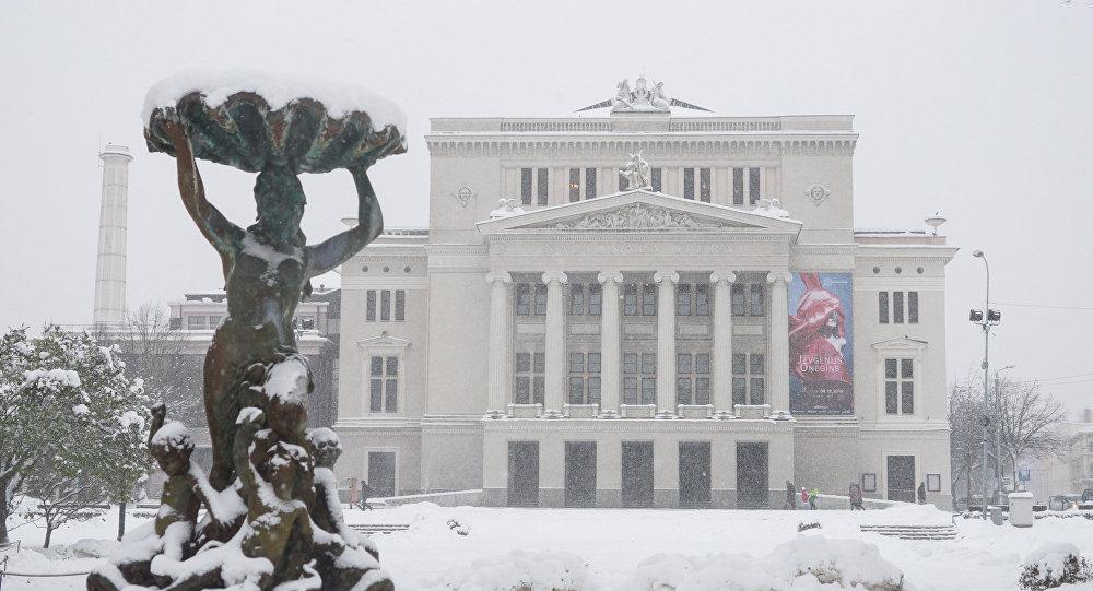 Снег в Риге