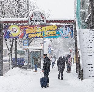 Улица Меркеля снег в Риге