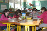 Рисование в школе, архивное фото