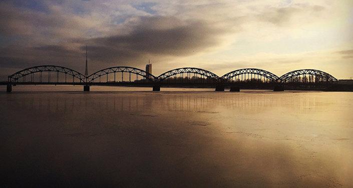 Рижский железнодорожный мост