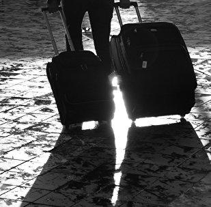 С чемоданами, архивное фото