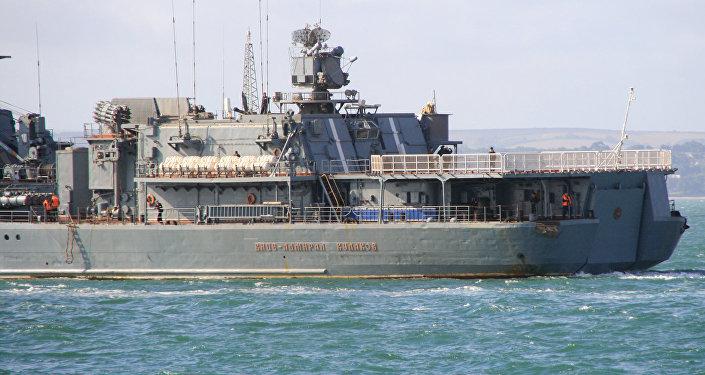 Архивное фото корабля ВМФ России Вице-адмирал Кулаков