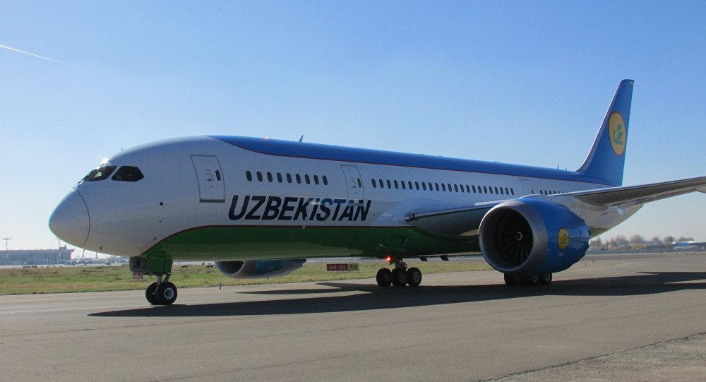 Самолет Boeing 787-8 Dreamliner в Ташкенте, архивное фото