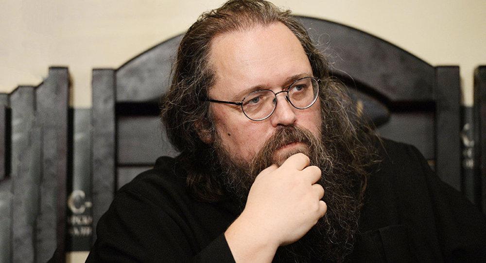 Протодиакону Андрею Кураеву запретили въезжать вЛатвию
