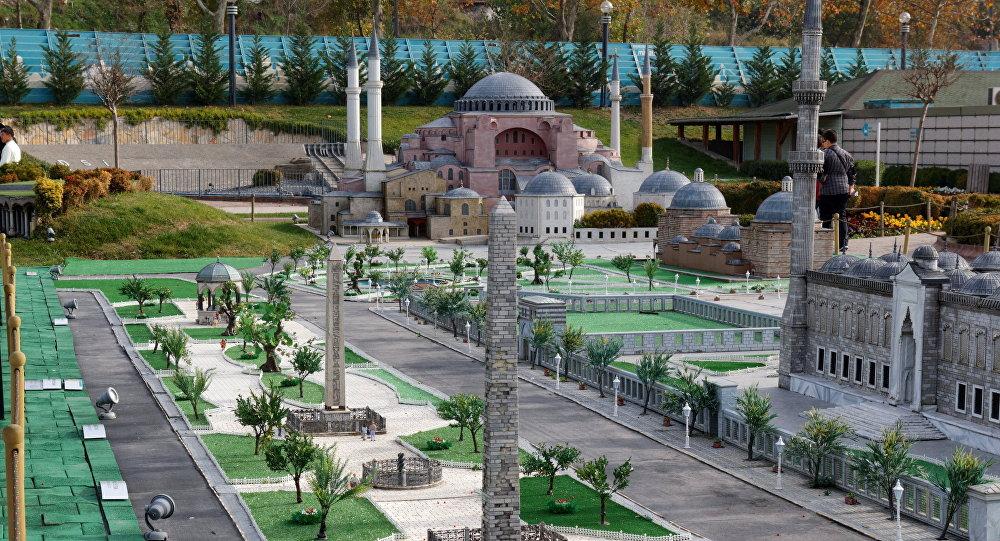 Площадь Султанахмет в Стамбуле