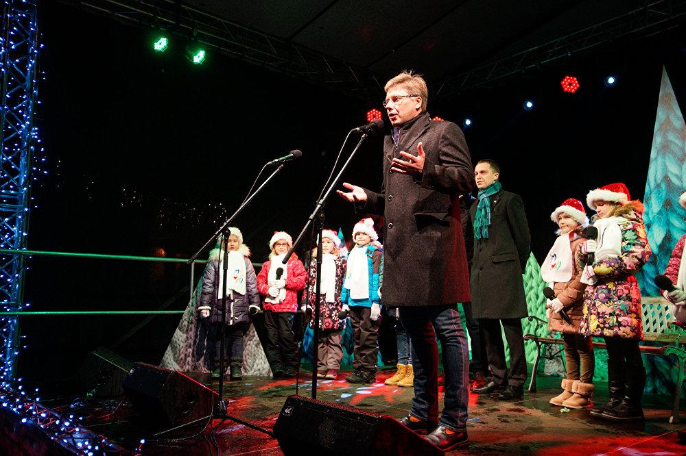 Rīgas mērs Nils Ušakovs uzrunā klātesošos