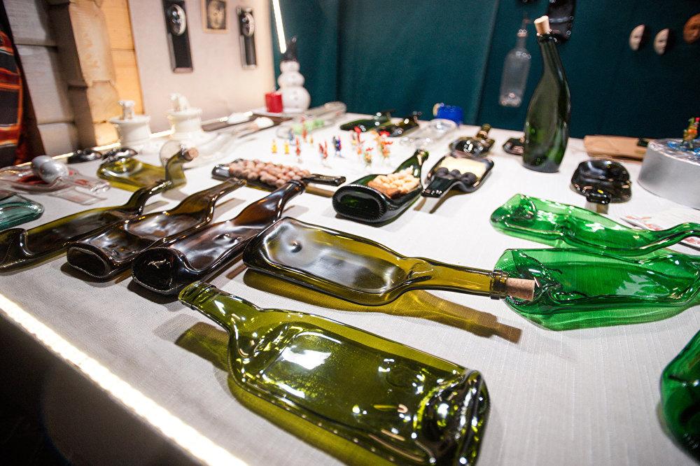 Поделки из бутылок мастера из Литвы