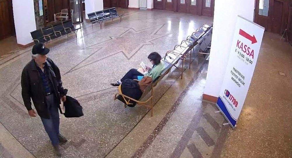 Тайво Валга на вокзале