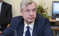 Izglītības ministrs Kārlis Šadurskis