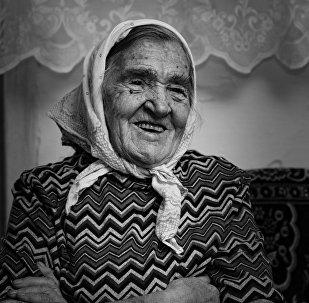Maksima Gorkija ciema iedzīvotāja Milda Vecis
