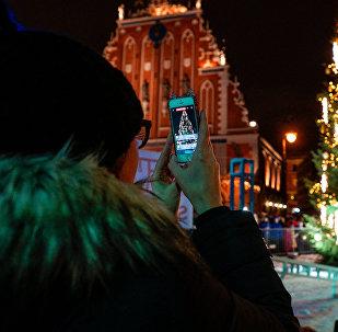 Rīgā vienā dienā norisinājušies uzreiz divi pasākumi – Ginesa rekorda uzstādīšana un zibakcija Mannequin Challenge