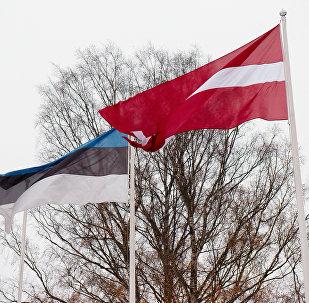Latvijas un Igaunijas karogi