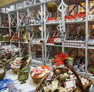 Latvijas tirdzniecības namiņi festivālā Ceļojums Ziemassvētkos