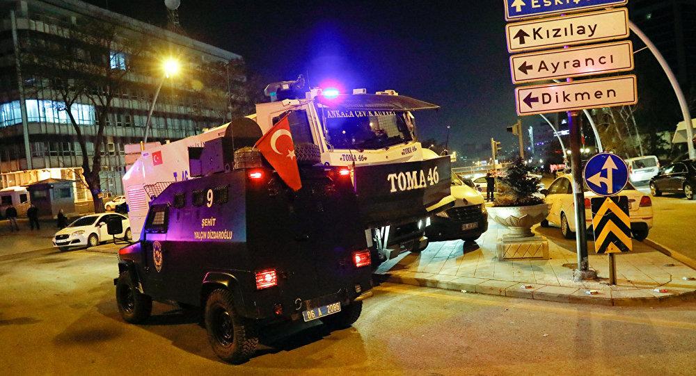 Turcijas policija Ankarā, kur noticis uzbrukums Krievijas vēstniekam Turcijā Andrejam Karlovam